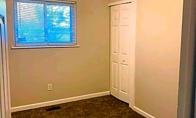 Living Room, 24651 Campbell Ave, 1