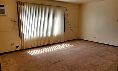 Living Room, 1440 Marengo Ave 1E, 1
