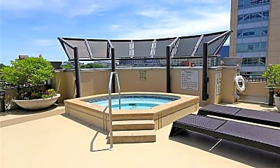 Pool, 4909 Laclede Ave 1105, 2