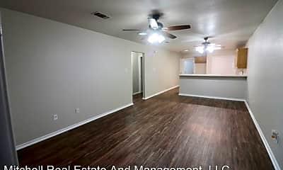 Living Room, 1122 W Spring St, 1