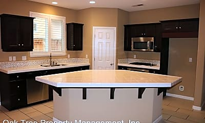 Kitchen, 3047 Browning Ave, 1