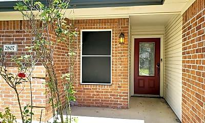 Building, 2807 Lavender Ln, 1
