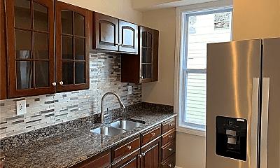 Kitchen, 128 Weber Way, 1