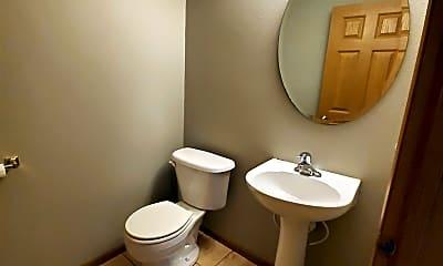 Bathroom, 424 Cedar Pl, 2