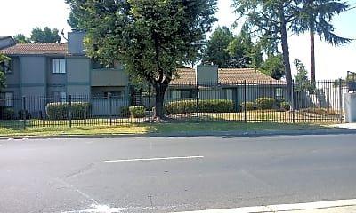 Meadowgreen Apartments, 2