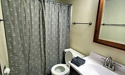 Bathroom, 4311 Cheyenne Ave, 2