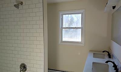 Bathroom, 82 Pierce Ave, 1