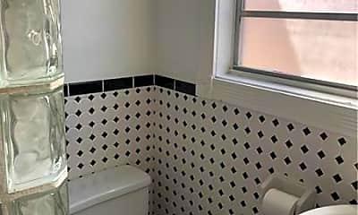 Bathroom, 808 SE 6th Ct 3, 2