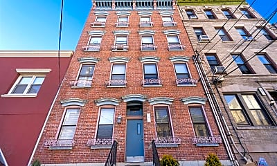 Building, 58 Monroe St 1R, 2