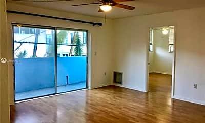 Living Room, 947 Lenox Ave, 1
