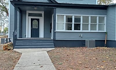 Building, 813 E Carson, 1