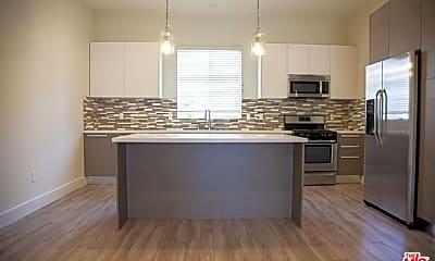 Kitchen, 5674 Hazeltine Ave, 1