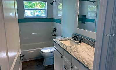 Bathroom, 339 Tyler Ave, 1