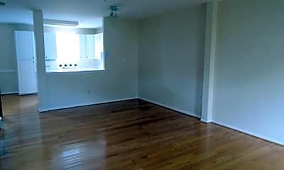 Living Room, 2504 Short Putt Ct, 1