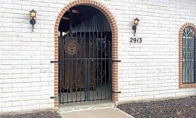 Living Room, 2913 Los Amigos Ct, 1