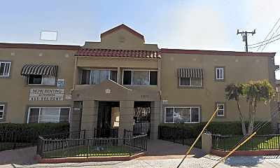 Building, 15704 Orange Ave, 0