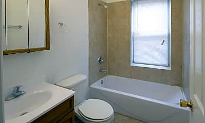 Bathroom, 7241 S Phillips Avenue, 2