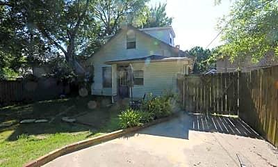 Building, 109 S Valentine St, 2
