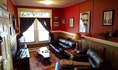Living Room, 32 Railroad Ave, 0