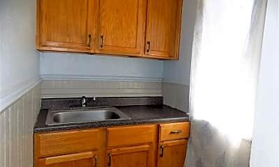 Kitchen, 1013 W Lackawanna Ave, 1