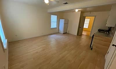 Living Room, 107 W Texas Ave, 1