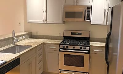 Kitchen, 371 30th St, 1
