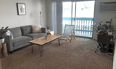 Living Room, 3415 Linden Ave, 0