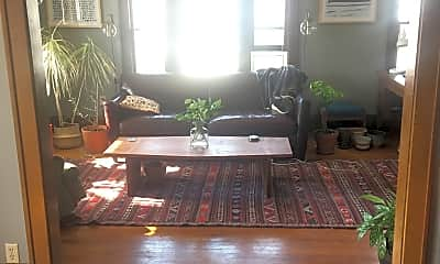 Living Room, 1008 E 37th St, 2