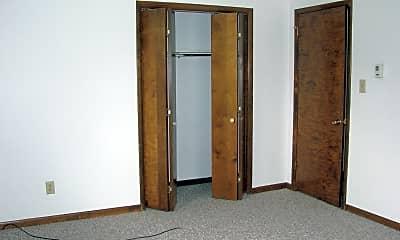Bedroom, 514 E Madison St, 2