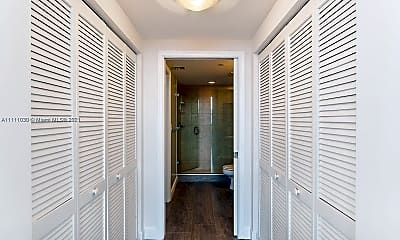 Bathroom, 19501 W Country Club Dr PH-08, 2