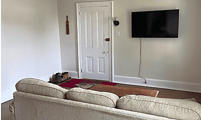 Living Room, 331 W Miner St, 1