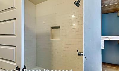 Bathroom, 1000 NW 19th St, 2