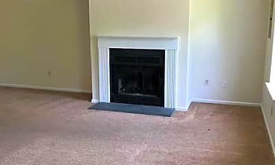 Living Room, 905 Huntingdon Mews, 1