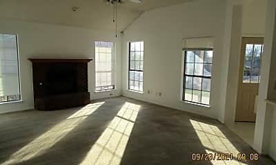 Building, 619 Arapaho Dr, 2