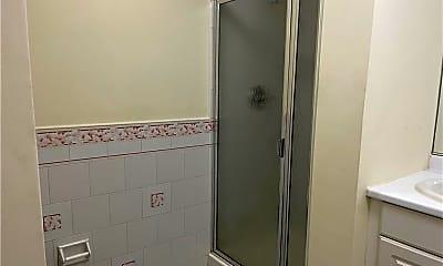 Bathroom, 139 S Broadway 10, 2