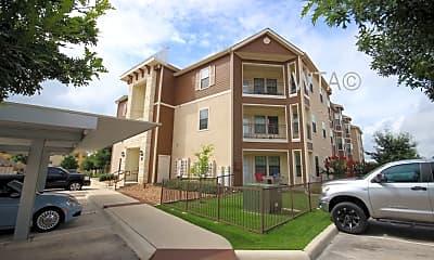 Building, 7838 Huebner Rd, 1