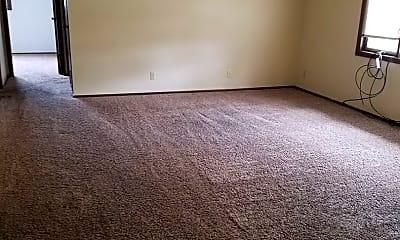 Living Room, 433 N 27th St, 2