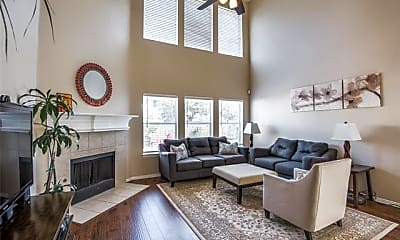 Living Room, 5000 Evergreen Dr, 0