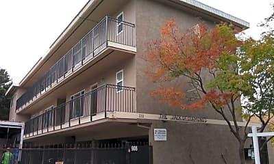 Building, 906 E 4th Ave 1, 0