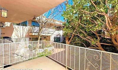 Patio / Deck, 445 E Magnolia Blvd, 2