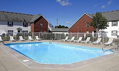 Pool, The Groves At 665, 1