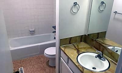 Bathroom, 553 Monterey Dr, 2