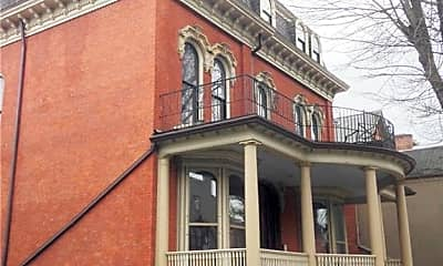 Building, 441 Franklin St 6, 1