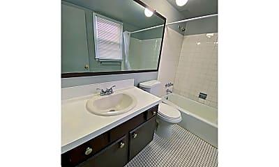 Bathroom, 2003 N 45th St, 1