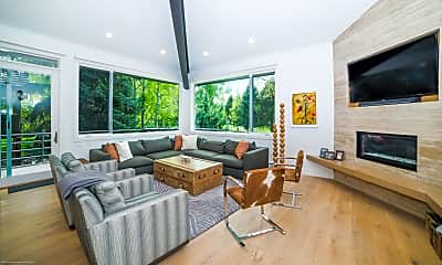 Living Room, 793 Cemetery Ln, 0