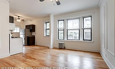 Living Room, 4886 N Magnolia Ave, 1