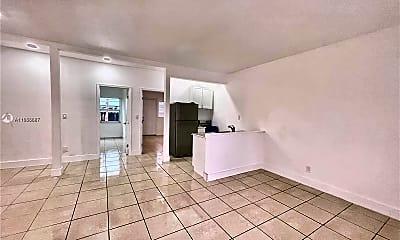 Living Room, 8135 Crespi Blvd, 0