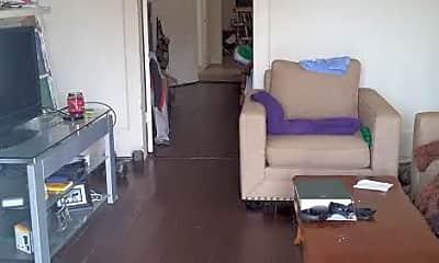 Living Room, 4731 Coliseum St, 2