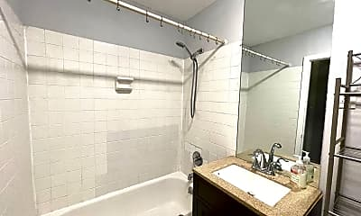 Bathroom, 2019 Spruce St, 2