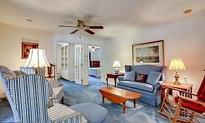 Living Room, 6071 Majors Ln, 1